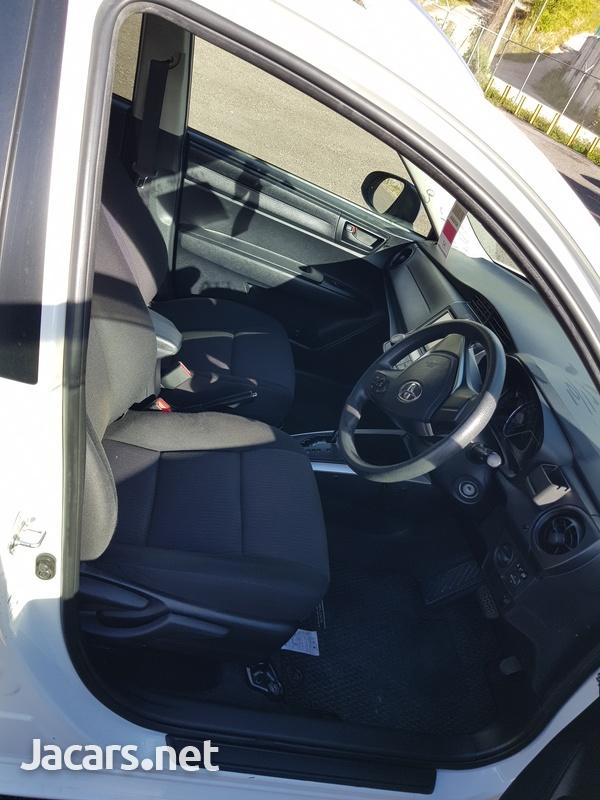 Toyota Fielder 1,5L 2015-8