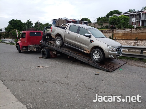 Towing and Wrecking Service-3