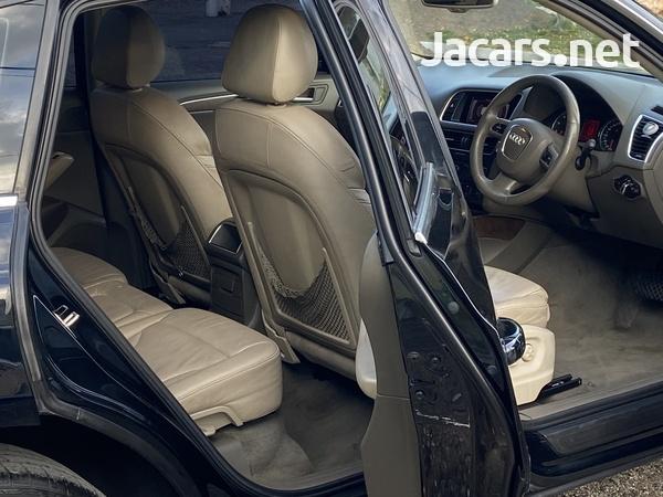 Audi Q5 3,0L 2012-8
