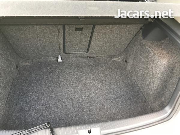 Volkswagen Golf 1,2L 2013-7
