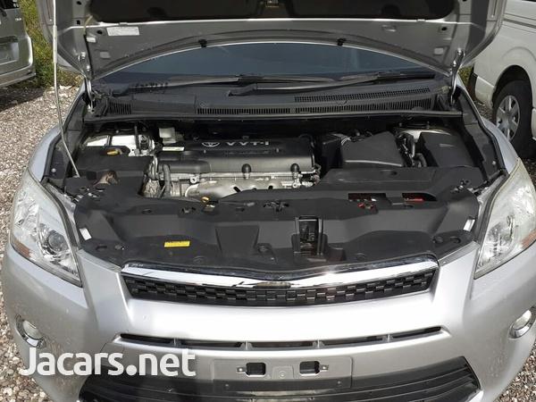 Toyota Mark X 1,6L 2012-3