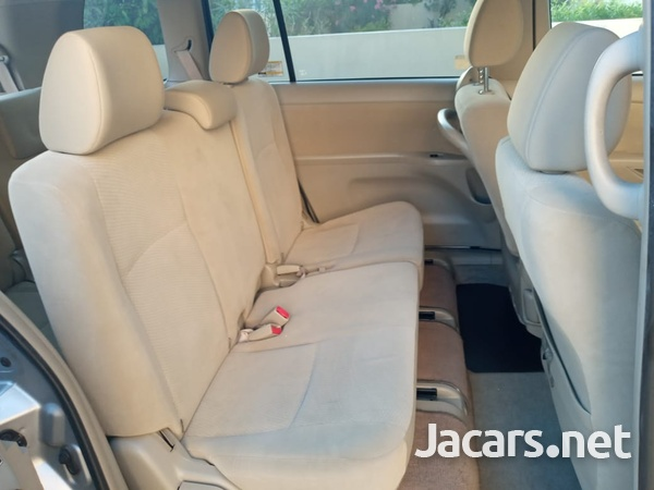 Toyota Isis 1,8L 2013-13