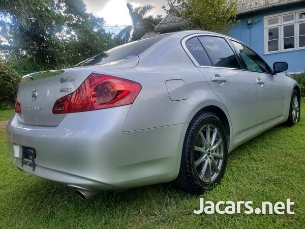 Nissan Skyline 2,5L 2012-5