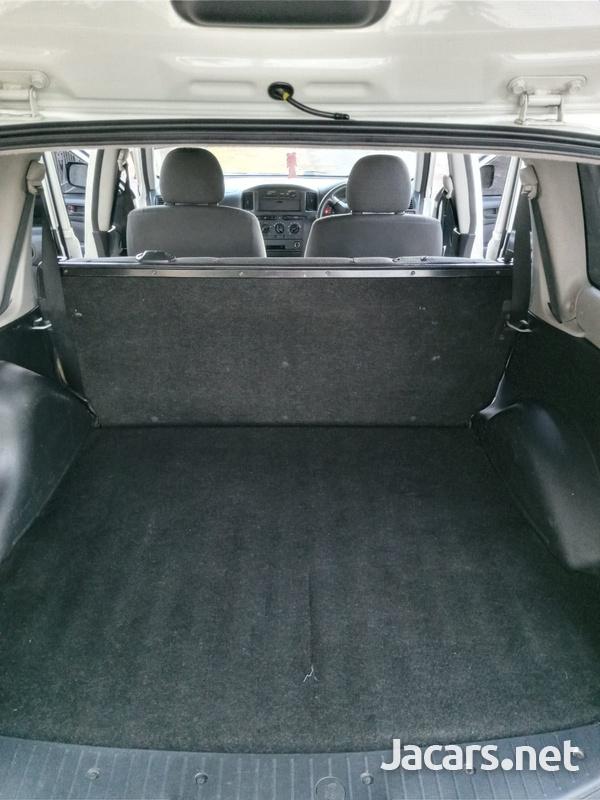Toyota Succeed 1,5L 2014-6