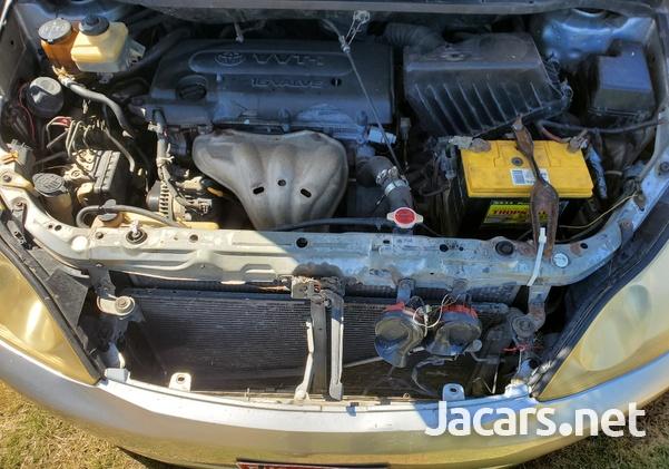 Toyota Ipsum 2,4L 2005-3