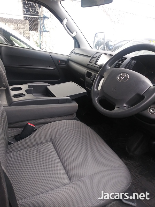 Toyota Hiace 2,3L 2016-5