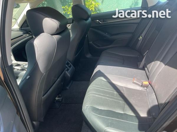 Honda Accord 2,0L 2018-13