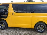 2006 Toyota Hiace Bus