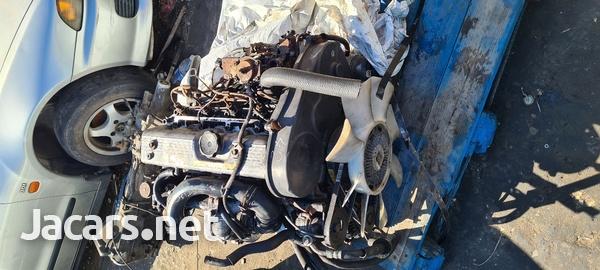 Mitsubishi L200 engine-2