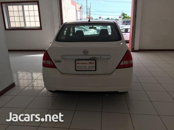 Nissan Tiida 1,5L 2012-4