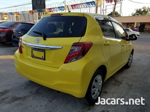 Toyota Vitz 1,0L 2014-4