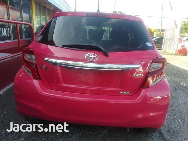 Toyota Vitz 1,3L 2016-9