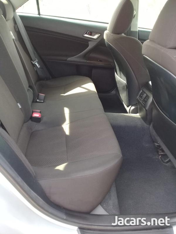 Toyota Mark X 2,4L 2016-8