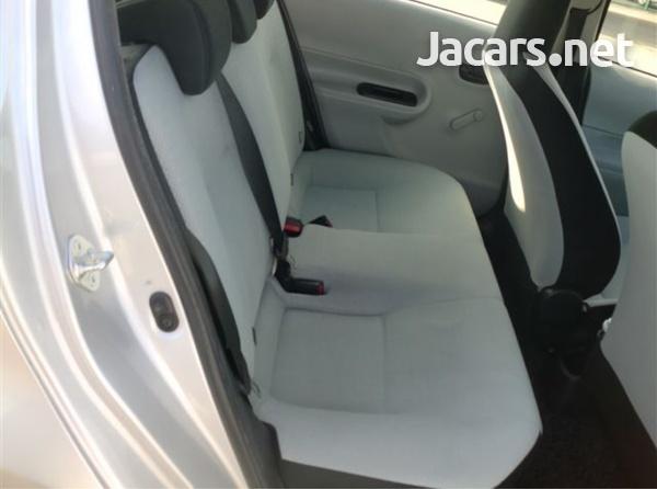 Toyota Aqua 1,5L 2015-4