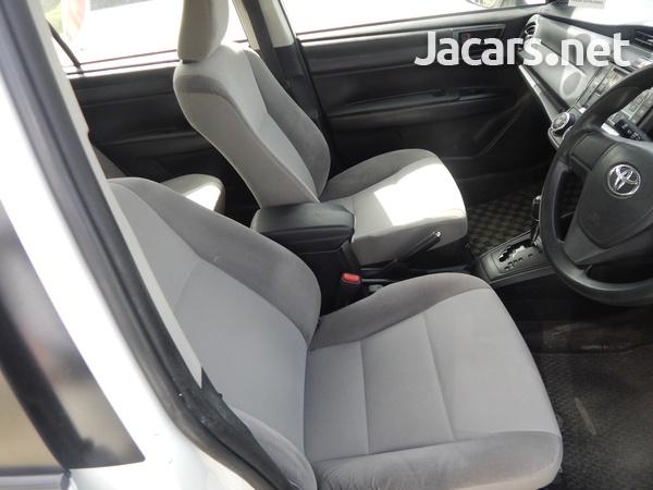 Toyota Axio 1,5L 2016-8