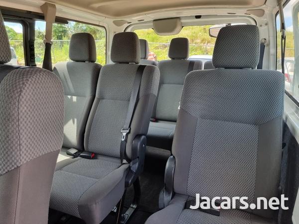 Nissan Caravan 2,5L 2016-10