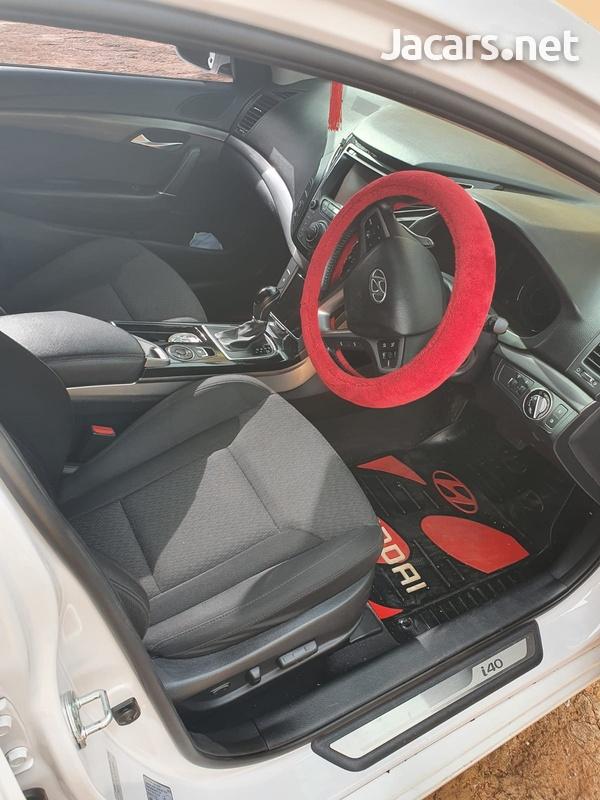 Hyundai i40 1,7L 2015-6