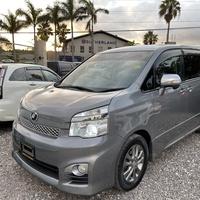 Toyota Voxy 2,0L 2013