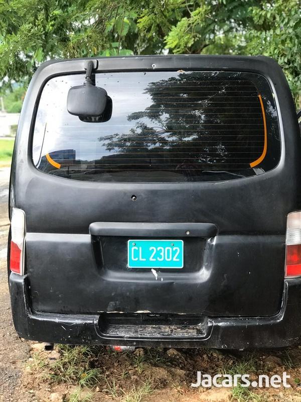 Nissan Caravan 1,7L 2003-3