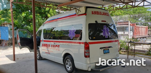 Toyota ambulance-3