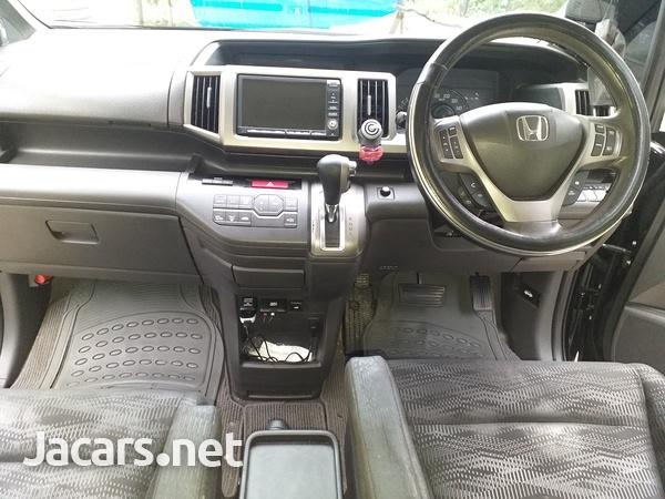 Honda Stepwgn 2,0L 2014-5