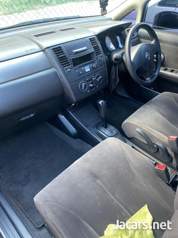 Nissan Tiida 1,5L 2013-5