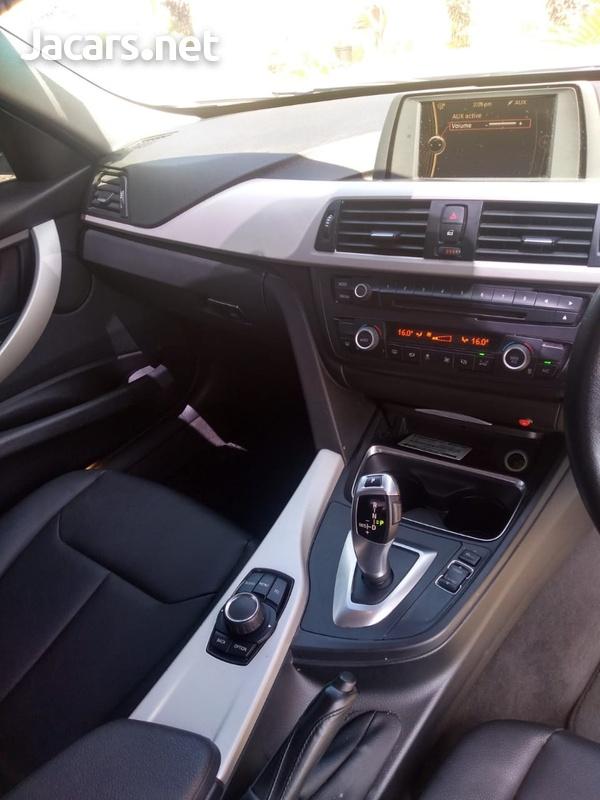 BMW 3-Series 1,6L 2014-9