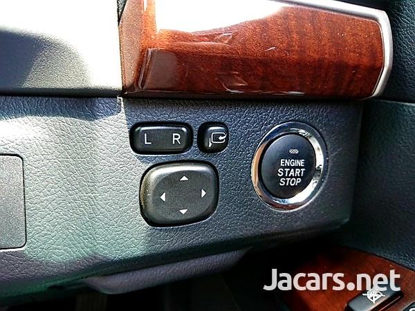 Toyota Mark X 2,5L 2013-9