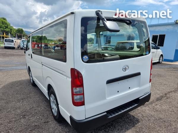 Toyota Hiace 2,0L 2013-11