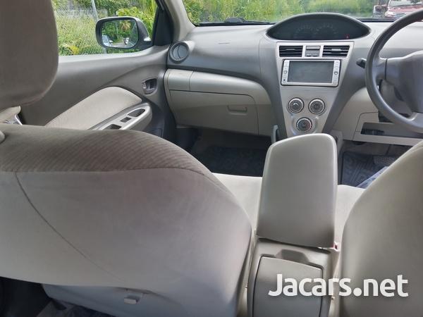 Toyota Belta 1,3L 2009-5