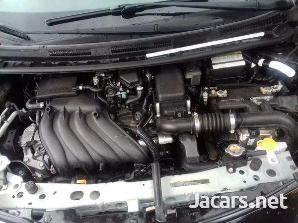 Nissan Versa 1,5L 2016-8