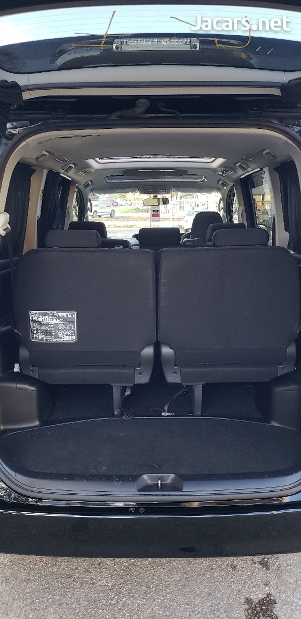 Toyota Voxy 2012 with SUNROOF-7