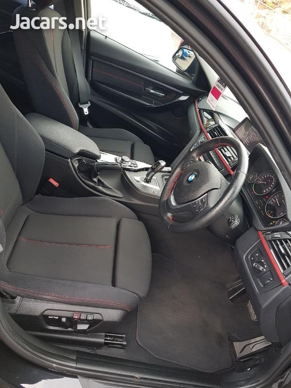 BMW 3-Series 3,0L 2012-7
