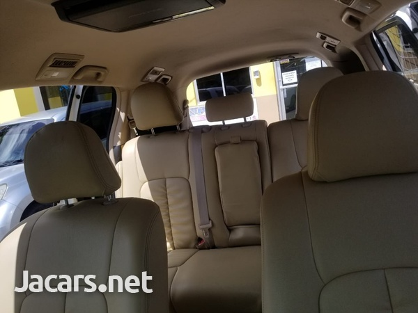 Toyota Estima 2,0L 2013-3