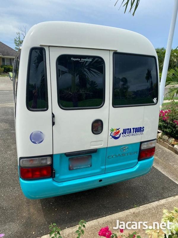 Toyota Coaster Bus 4,6L 2014-2