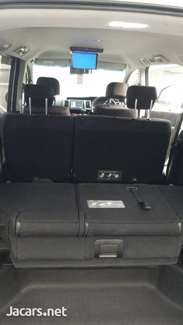 Honda Step wagon 2,0L 2012-9