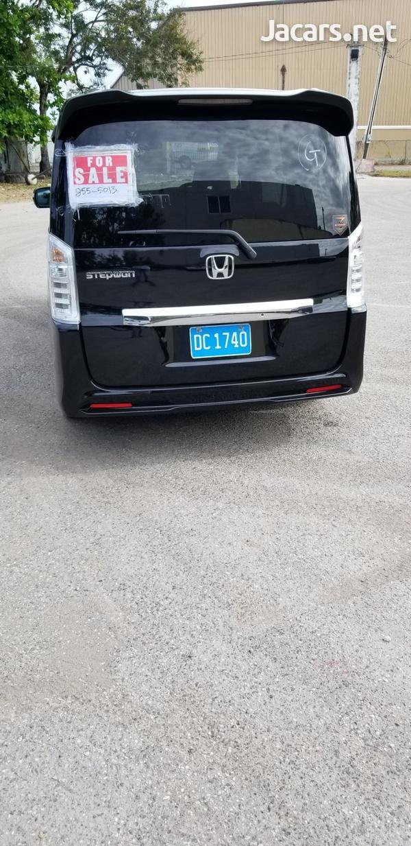 Honda Step wagon 2,0L 2014-6