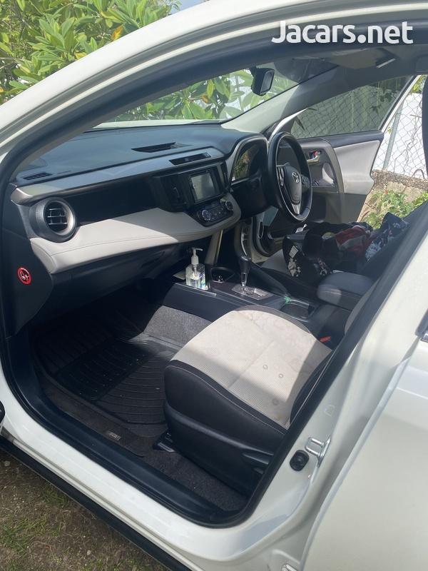 Toyota RAV4 2,0L 2018-1