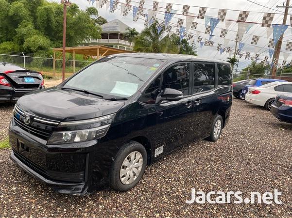 Toyota Voxy 1,8L 2014-2