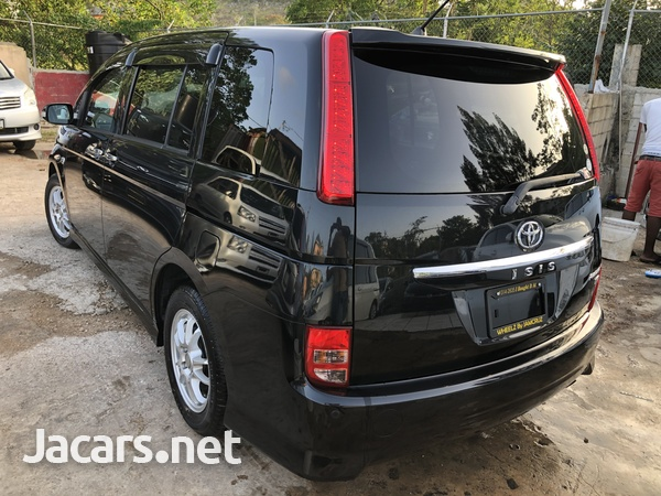 Toyota Isis 1,8L 2010-4