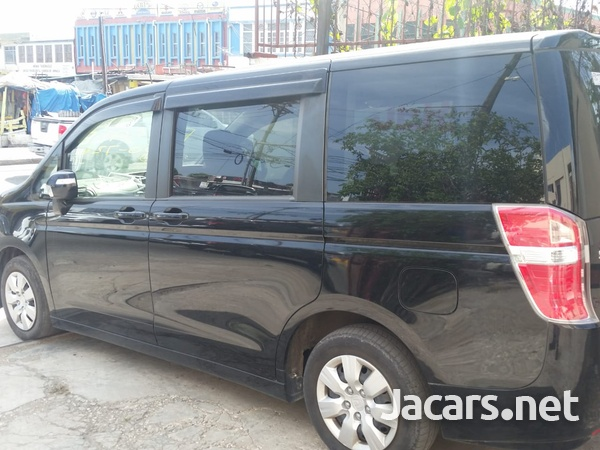Honda Stepwagon 1,8L 2012-1