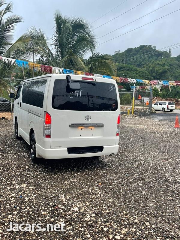 Toyota Hiace 2,5L 2015-11
