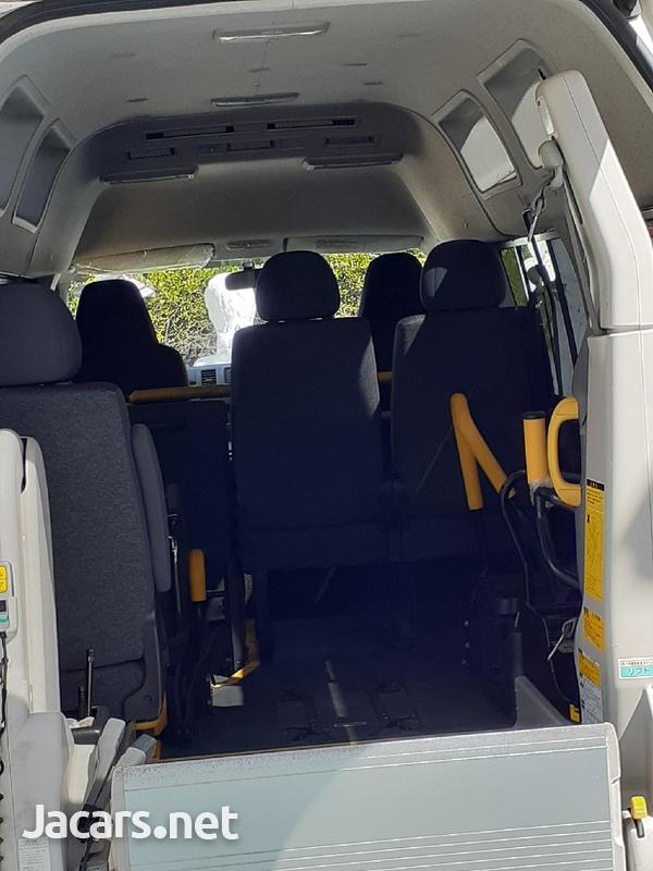 2012 Toyota Hiace Bus-3
