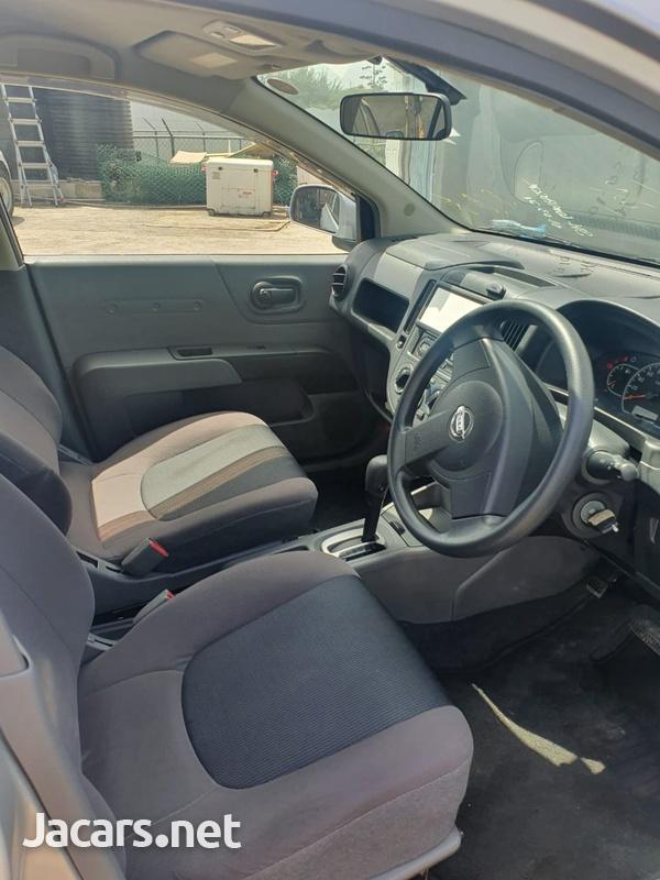 Nissan AD Wagon 1,5L 2015-10