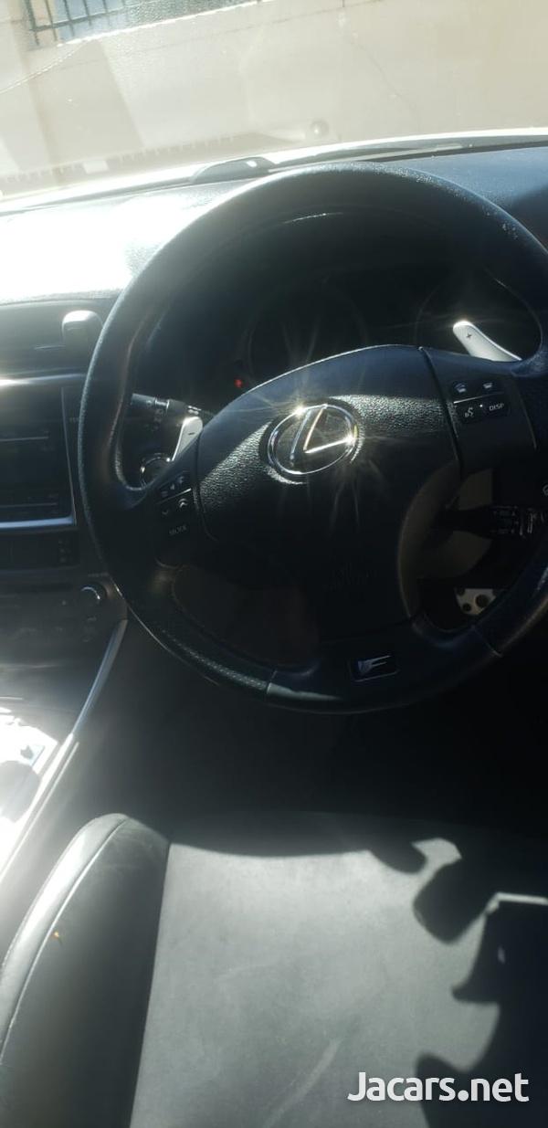 Lexus IS 1,6L 2010-6