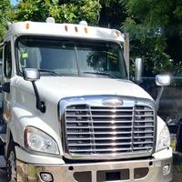 2012 Freightliner Cascadia Truck