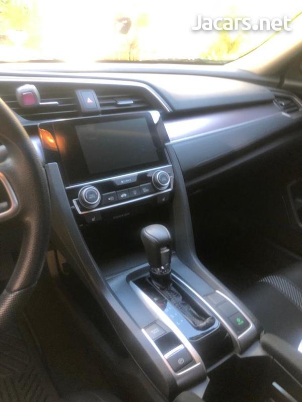Honda Civic 2,1L 2016-4