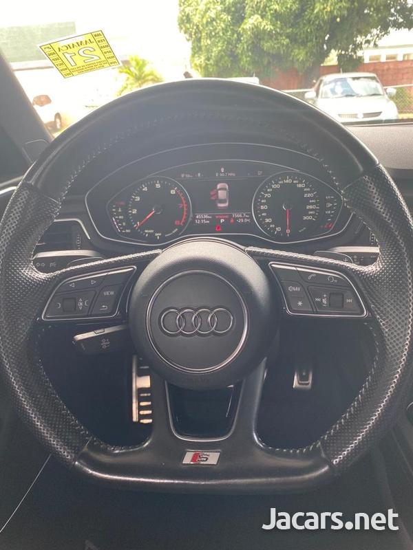 Audi A4 2,0L 2016-7