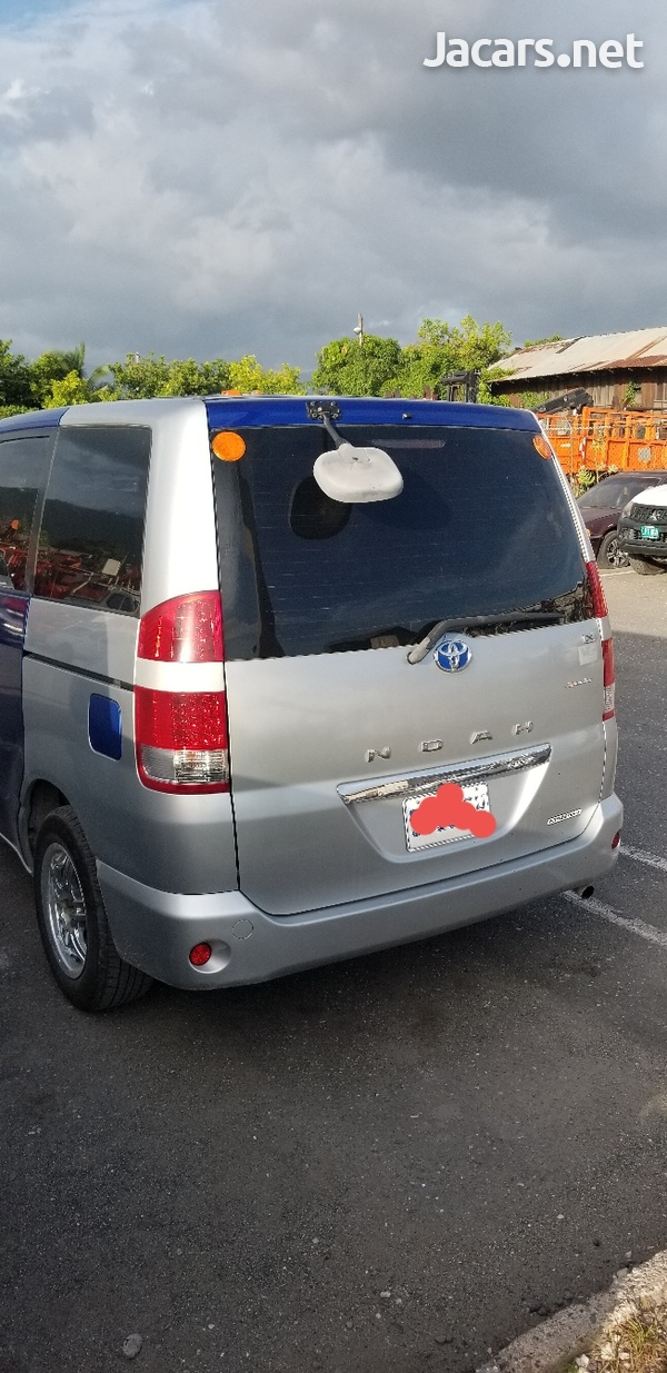 Toyota Noah 2,0L 2006-1