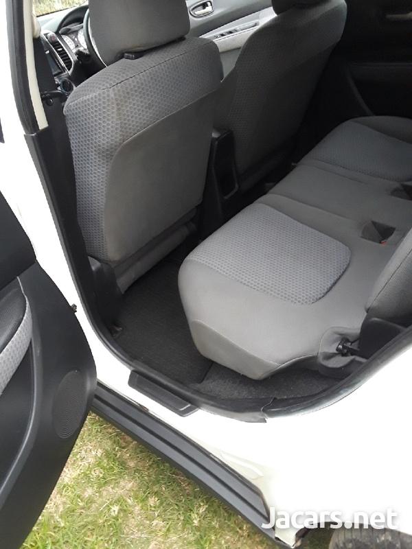 Nissan Wingroad 1,5L 2012-7